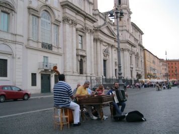 Performers at Piazza Navona.